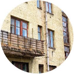 הבניין בו אתם גרים ישן ומוזנח?